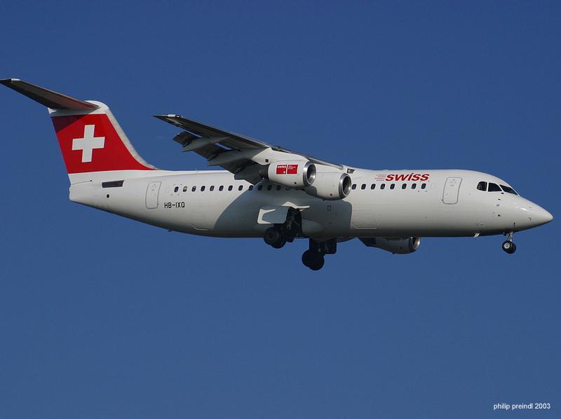 http://www.airventure.de/ZHKlotenpics/SWISS%20-%20Avro%20RJ100%20anflug%20RW%2014.jpg