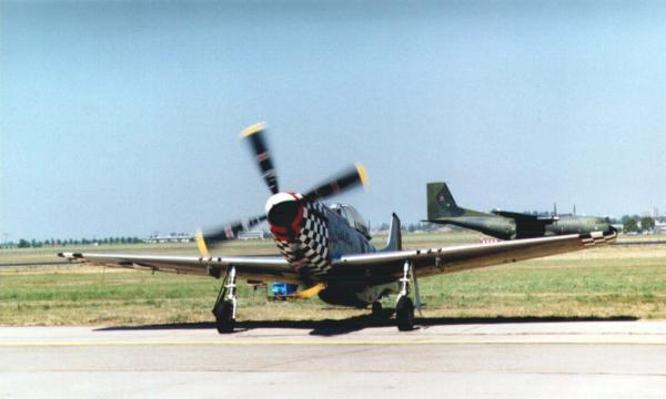 Wohl eines der schönsten flugzeuge, die je gebaut wurden - die p-51d
