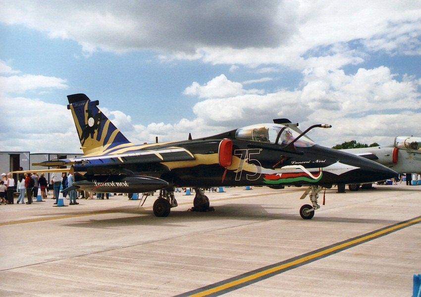 意大利/巴西联合研制AMX攻击机